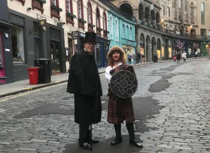 Alexander Clapperton and a wild Highlander in Victoria Street, Edinburgh August 2020
